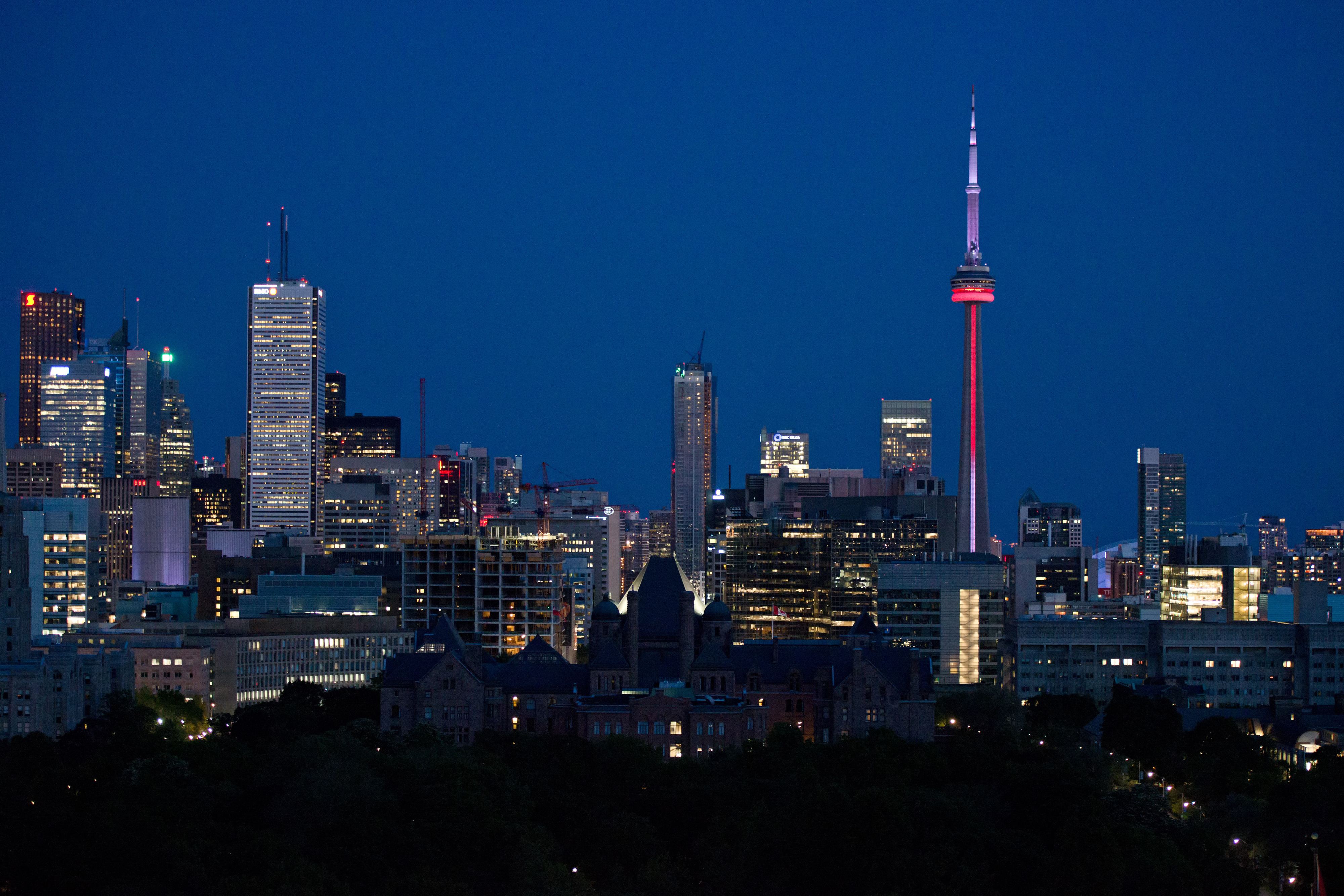 Night-Sky-Queens-Park-Tourism-Toronto_preview